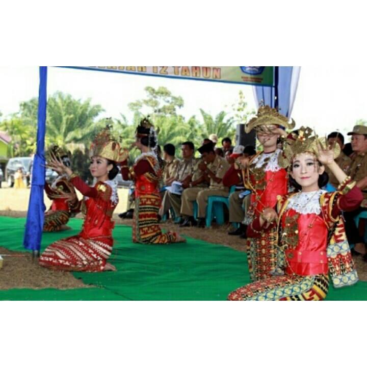 Sanggar_tari_Sikep_Budayo_Lampung_SMA_Negeri_1_Bukit_Kemuning